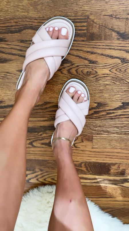 Super comfy slide sandals size 6  #LTKshoecrush #LTKunder100 #LTKunder50