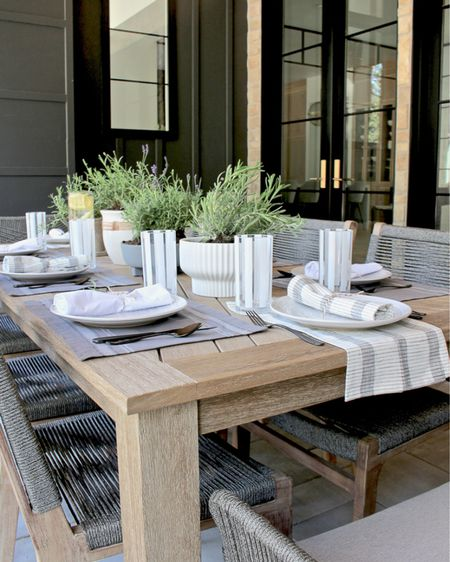 Outdoor summer dining http://liketk.it/3gdCL #liketkit @liketoknow.it