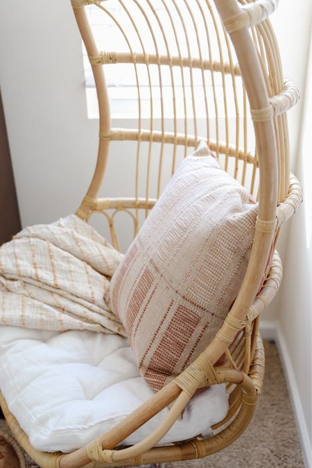 Amber interiors x loloi throw pillow in pre-teen room  #LTKhome #LTKunder100 #LTKkids