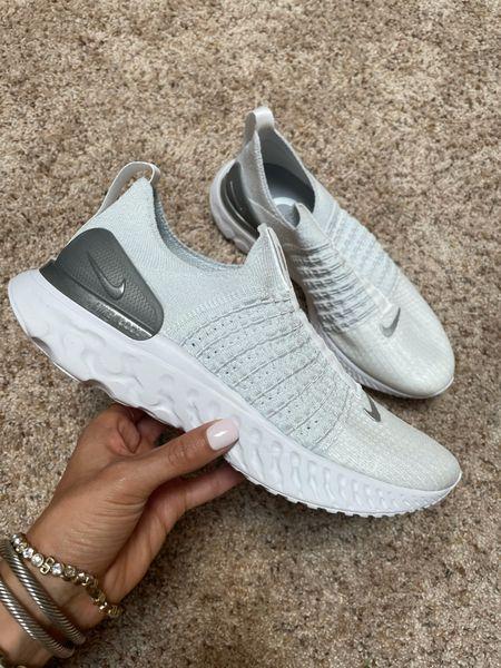 Nike no laces shoes sneakers   #LTKunder100 #LTKsalealert #LTKunder50