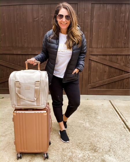 Travel outfit to Vegas http://liketk.it/2JKGI #liketkit @liketoknow.it #LTKtravel #LTKcurves #LTKeurope rose gold bag // pink suitcase // rose gold suitcase // travel outfit // comfy joggers // comfortable sneakers // comfortable joggers //
