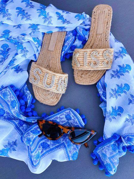 Block print sarong & sparkly sandals! 🌞