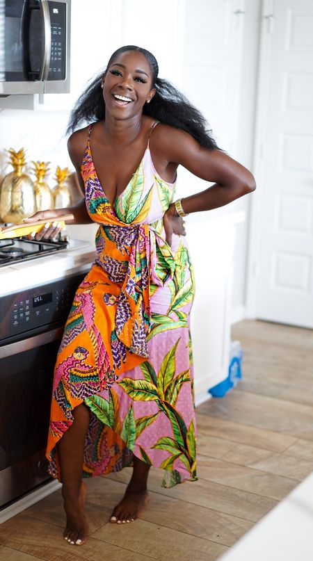 Surplice Dresses   Maxi Dresses   Plus Size Fashion   Maternity Outfits   Sleeveless   Shortsleeves   Longsleeves   Back to School   Teacher Outfits   End of Summer Travel   Candles   Earth Tones   White Dresses   Wraps   Puffer Jackets   Knits   Welcome Mat   Pumpkins   Jewel Tones   Glad you're here! Click below to shop and follow me @Rie_Defined for more great finds! A great day ahead, beautiful people. xo  #LTKbacktoschool #LTKtravel #LTKworkwear