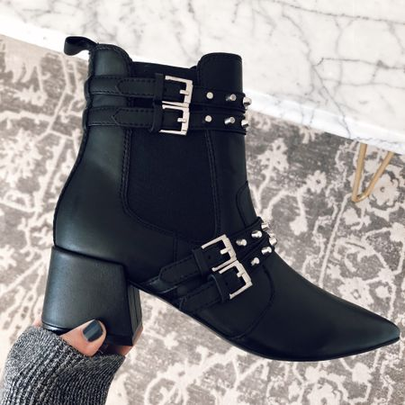 Can you really ever have too many pairs of black booties? Spoiler alert: no, you can't 🖤These are currently 25% off (and under $100)! See my 10 favorites in the @liketoknow.it app or linked here: http://liketk.it/2yCRn #liketkit