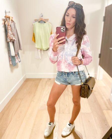 Casual spring outfit  http://liketk.it/3cwKR #liketkit #LTKsalealert #LTKshoecrush #LTKstyletip @liketoknow.it
