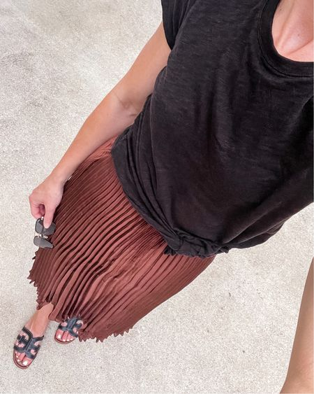 Today's look. Size small in shirt, small in skirt (wish I'd sized down), true size in sandals.
