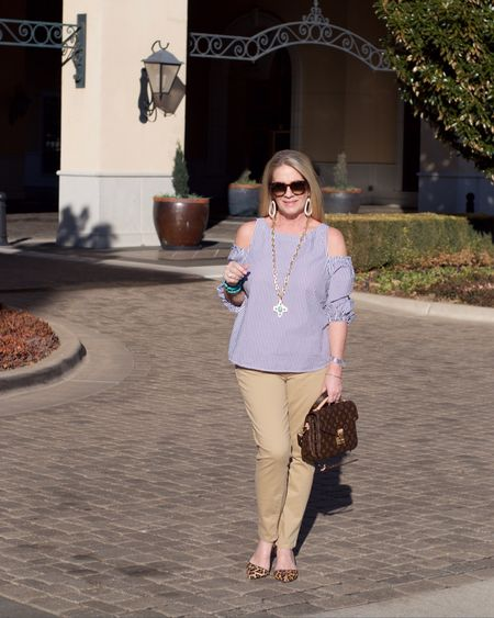 Walking into Monday with a smile and a plan. 😃When opportunity knocks you answer the door 🚪 Big changes on the horizon and I'm so excited to share with you guys 😉👍🏼 soon.  The weather has been fickle here in the Midwest ☀️☔️❄️🌤 and I'm sooo ready for sunshine 🌞 who else is ready for warmer days?👏🏼♥️☺️ http://liketk.it/2viY5 #liketkit @liketoknow.it