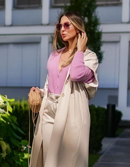Lavender 💜    Werbung Ein kleiner Farbtupfer geht bei mir immer, diesmal als Kuschel-Cardigan @summumwomen im angesagten Lavendel Ton 💜 . . #lavender #trendcolor #summum #thepouch #summumwomen #lilac #knitcardigan #easystyle #comfy  #cardigan  #fallstyle #bottegaveneta #herbstlook #bottegavenetapouch