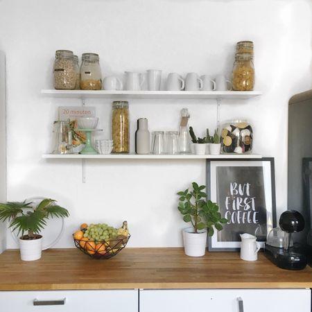My apartment is a  m e s s  right now 🙈 I just finished cleaning this little corner of my kitchen, now I'm off to get the rest under control. Check Snapchat 👻 Loewenherzchen 👻 to see more of my day! All product infos: http://liketk.it/2pSLY || @liketoknow.it #liketkit  . Achja, natürlich gibt es heute auch noch ein Adventskalendertürchen! Auf dem Blog gibt es ein funkelndes Armband von Swarovski zu gewinnen! Bei meiner lieben @jillepille habt ihr die Chance auf zwei Jahresabos von der Vogue!