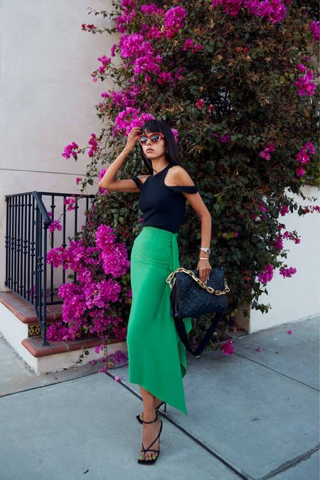 My favorite style trend for Fall 2021 - black & emerald green!   #LTKstyletip #LTKshoecrush #LTKitbag