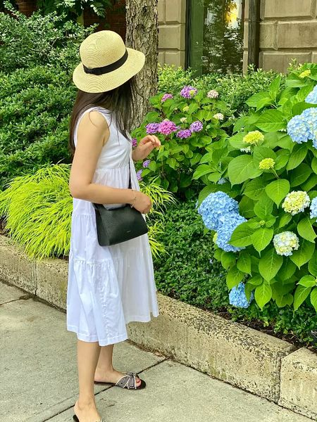 There's a brand new post on www.whatjesswore.com!   https://www.whatjesswore.com/2021/06/rothys-the-hemp-knot-sandals-cuyana-mini-double-loop-bag-review.html  #LTKshoecrush #LTKitbag #LTKstyletip