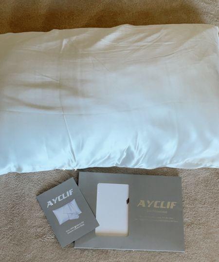 Loving this silk pillowcase. I've definitely noticed less breakage & tangles since I started using it 🥰  #LTKunder50 #LTKhome #LTKbeauty
