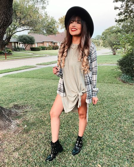 Living in flannels, because all things autumn ✨ I've been really loving t-shirt dresses this season! They literally pair great with everything! I'm seriously going to be snagging these bebes in all colors and pair them with all the booties, serious perfection 🍂✨  http://liketk.it/2Y9tw #liketkit @liketoknow.it #LTKunder50 #LTKstyletip #StayHomeWithLTK @liketoknow.it.home You can instantly shop all of my looks by following me on the LIKEtoKNOW.it shopping app