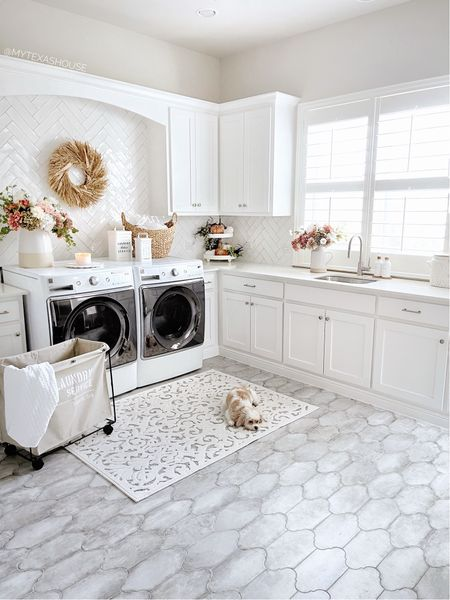 Laundry room, home decor, home Inspo, wreath,   #LTKunder50 #LTKunder100 #LTKhome