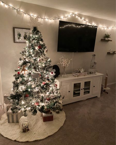 We have the 6ft tree! 🎄 http://liketk.it/31i1c #liketkit @liketoknow.it