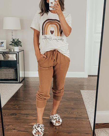 """Happy Monday! What is your go to """"uniform"""" these days? Mine has been joggers and a tee! ☁️☁️  The LTK Fall Exclusive Sale is here! 🍂 This comfy jogger @abercrombie and tee @pinklily are also part of the sale - 25% off with code LTKFALL   @liketoknow.it #liketkit http://liketk.it/2X2Vd #LTKunder50 #LTKsalealert"""