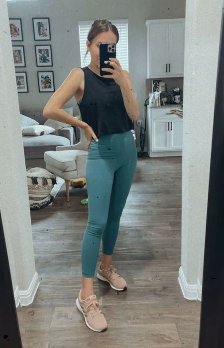 Amazon fit  Lululemon look a likes  Wearing a small in all