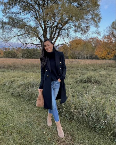 Turtleneck and jeans with booties. #fallstyle #shearlingbag  #LTKitbag #LTKstyletip