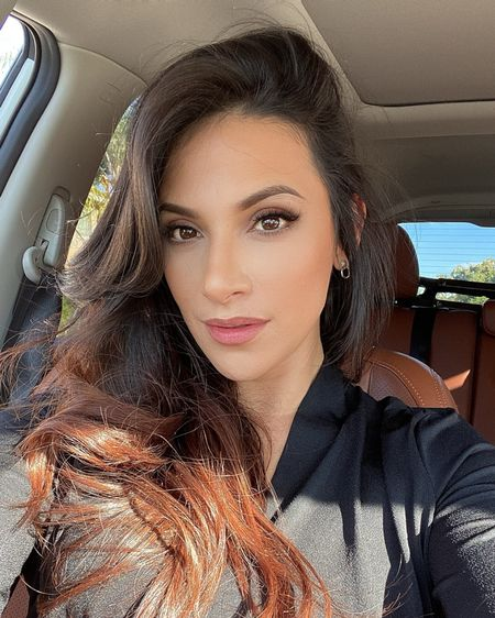 Soft & natural beauty look with a stained lip, gives lips a naturally enhanced look.   The ideal look for us mommy's on the go! . . 𝐈𝐆 Amberbeautyartistry for details on how I achieve the stained lip.  . .  @liketoknow.it #liketkit #LTKstyletip #LTKbeauty http://liketk.it/3785D o