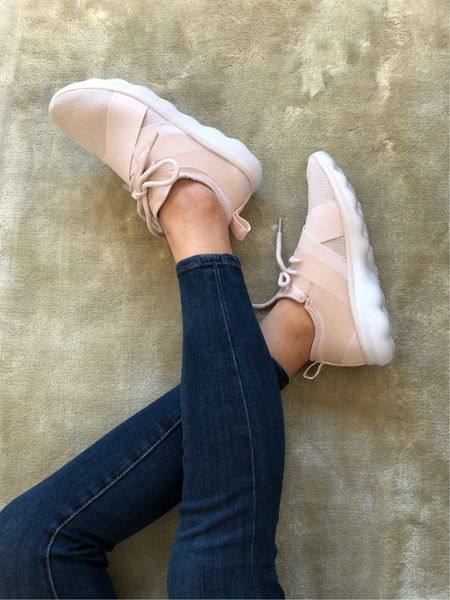 Embracing comfort with these blush sneakers. They're only $34.99 and they run true to size! 🛍 You can shop them @liketoknow.it http://liketk.it/2uv8y #liketkit #LTKunder50 #LTKshoecrush #LTKunder100