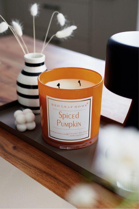 Duftkerzen für den Herbst: Pumpkin Spice Duftkerzen #Duftkerzen #Pumpkinspice #Herbst #Herbstdeko Folgen Sie meinem Shop in der @shop.LTK-App, um diesen Post zu erwerben und meine exklusiven Inhalte nur für die App zu erhalten!  #liketkit #LTKhome #LTKeurope #LTKSeasonal