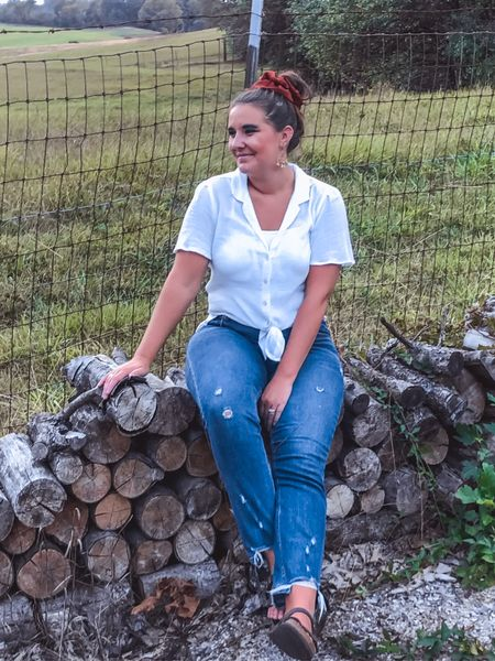 Sooo ready for cozy nights by the bonfire! These jeans are going to be my fall grabs for sure 😍 they fit TTS! And there is an LTK sale happening on them right now!   #LTKstyletip #LTKSale #LTKSeasonal