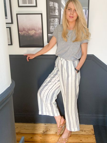 http://liketk.it/2PdJp #liketkit @liketoknow.it @liketoknow.it.home @liketoknow.it.europe @liketoknow.it.family #LTKworkwear #LTKeurope #LTKunder100 stripe wide leg trousers, wide leg trousers outfit, wide leg trousers, casual outfit, casual outfit ideas, stripe trousers, wide leg pants outfit, wide leg pants