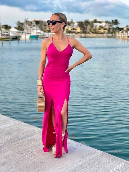 When the sky turns pink it's time for a drink. . ⚫️Magenta slip dress @manningcartell #manningcartell  . . .  #travelstyle #pinkdress #mangoreef #marinastyle #ltksummer #castaner #slipdress #turks #turksandcaicos #vacationstyle #pinkpinkpink  #LTKstyletip #LTKtravel