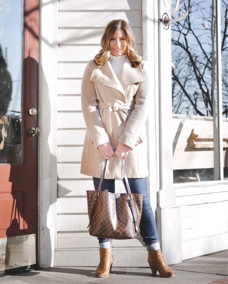 Need a new coat this winter, or maybe your current go-to is on its last season? I've got you covered. Talk about timeless & great quality - I took this photo over two years ago & this Calvin Klein coat is still the one I choose first. It's currently on sale, too! Double win. 👌🏼 (was: $275, now: 40% off) - Shop this color & black and white twill with the link in my bio, or comment below that you want the link & I'll DM it to you! -  http://liketk.it/37oOd @liketoknow.it #liketkit #LTKsalealert #LTKstyletip #LTKSeasonal
