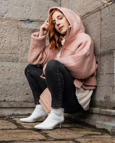 Pink & White to make it right ☺️💗 Hey Monday, let's do this 🐒⚡️ Shop your screenshot of this pic with the LIKEtoKNOW.it app @liketoknow.it http://liketk.it/2ApDg #liketkit @liketoknow.it.europe #LTKeurope #LTKshoecrush