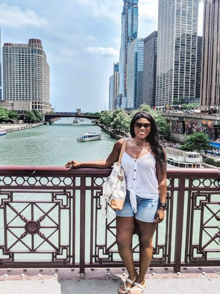Any excuse to take a stroll by the river 🙌 .  Shop your screenshot of this pic with the LIKEtoKNOW.it app http://liketk.it/2Dxc4 @liketoknow.it #liketkit  . . . #chicagoriverwalk #chicago #choosechicago #visitchicago #chicagoblogger #friday #fridayfun #weekend #summer