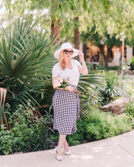 Who else is ready for spring? 🌸 There are so many cute styles out right now, including my favorite gingham skirt - grab it before it sells out again!  @liketoknow.it http://liketk.it/2A4N7 #liketkit #LTKunder100 #LTKunder50 #LTKsalealert #ginghamskirt #gingham #springstyle #sanantonio #texasblogger #sanantoniobloggers #revolveme #everydaystyle #springfashion #womenwithstyle