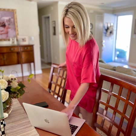 Nothing like #nationalpinkday to get you feeling all kinds of fabulous! I may be impartial since pink is my favorite color. While these beautiful pajamas are no longer available in this color (boo!) I linked some other amazing pink items that I am sure you will adore! Download the LIKEtoKNOW.it shopping app to shop this pic via screenshot! http://liketk.it/3ijoe @liketoknow.it #liketkit #LTKstyletip #LTKbeauty