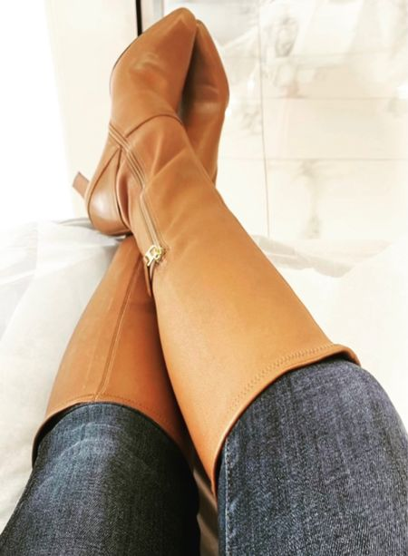 That's right ... knee boots and skinny jeans. The kids can have their mom jeans 😘  #fashion #style #workwear #weekendwear #ootd #liketoknowit #LTK #kneeboots #outfit #styleinspo  #LTKstyletip #LTKworkwear #LTKshoecrush