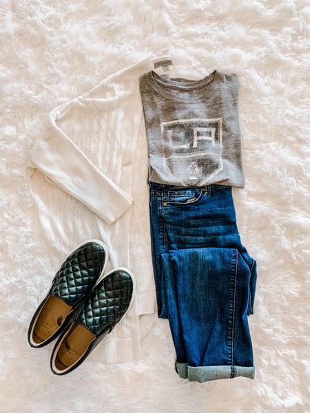 Spring fashion, white cardigan, LA Kings tee, sports tee, graphic tee, jeans, sneakers  #LTKSeasonal #LTKstyletip #LTKunder50