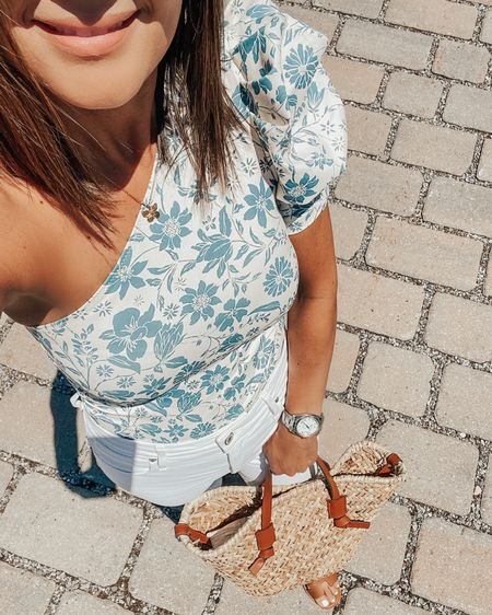 My summer uniform consist of white pants and floral tops. I love this one shoulder bodysuit from @freepeople 🤍💙 http://liketk.it/3imzv #liketkit @liketoknow.it