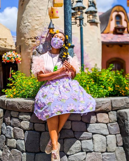 I've got a dream ☁️ I just want to see the floating lanterns gleam ✨✨ . . I hope your day is full of happiness and sunshine! To shop my outfit, click the link in my bio 😁🌼  — . .  #maskeraidbound #disneyannualpassholder #supportblackcreators #blackcreators #blackgirlsrock #blackcreativesmatter @liketoknow.it http://liketk.it/2Tdzx  #liketkit