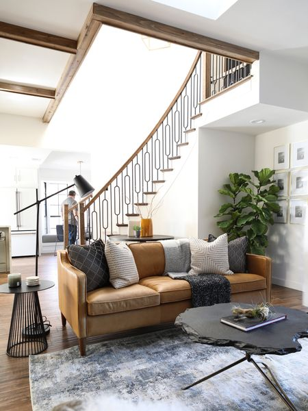 http://liketk.it/2NpJK #liketkit @liketoknow.it #StayHomeWithLTK #LTKhome #LTKsalealert @liketoknow.it.family @liketoknow.it.home #livingroom #homedecor #modernhome #sofa #leathersofa