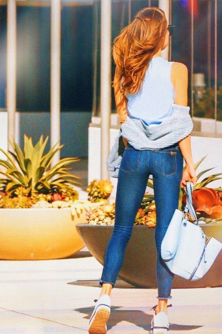 Simply casual skinny jeans that shapes your body nicely and feels comfy at the same time (you can totally move and breath lol). http://liketk.it/2QZn0 #liketkit @liketoknow.it #LTKspring #LTKstyletip Shop your screenshot of this pic with the LIKEtoKNOW.it shopping app  . : #jeans #causalstyle #bluejeans #skinnyjeans