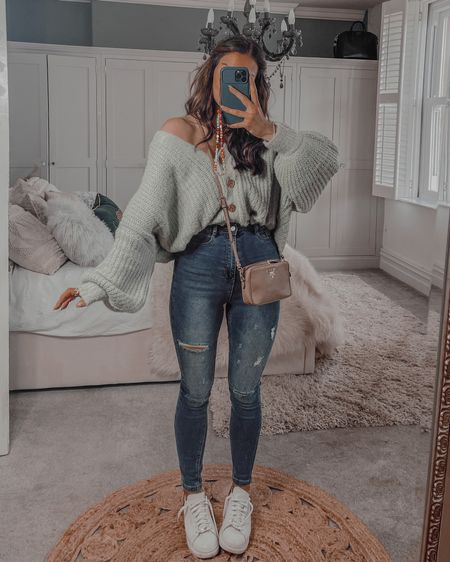 Autumn fall outfit ideas Missguided slouchy sage green cardigan  Missguided skinny ripped jeans   #LTKeurope #LTKshoecrush #LTKstyletip