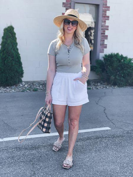 YAY for Friday! 🙌🏼 & It's LTK SALE day!! 💗 This henley bodysuit, elastic waist shorts & crossbody bag all included 🌸 Comfy, casual favorites for Summer!    http://liketk.it/3hpcN #liketkit @liketoknow.it #LTKDay #LTKunder50 #LTKsalealert