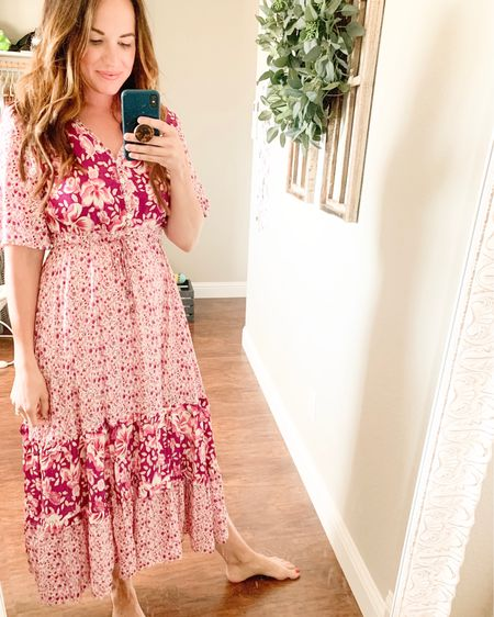 I bought this dress for our trip to Hawaii in April + never got the chance to wear it🌺 I guess I'll just wear it while I chase toddlers and fold laundry..🙃 #stayathomemomlife . . .  http://liketk.it/2Ro0n #liketkit @liketoknow.it