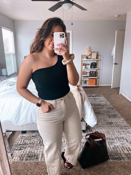 Target style. Jeans, side shirt, cute #liketkit @liketoknow.it http://liketk.it/3fNkv #LTKunder100 #LTKunder50 #LTKstyletip @liketoknow.it.brasil @liketoknow.it.family @liketoknow.it.home @liketoknow.it.europe