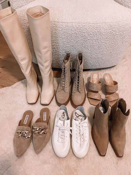 Hi my name is Emily & I have an obsession with neutral shoes 🤩 Here are a few of my favorites for fall! -@champagneandchanel