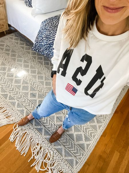 I'm obsessed with this USA sweatshirt! It's really thin, so it can be worn as a top, and it's cropped which is the perfect fit for high waisted jeans!  #LTKstyletip
