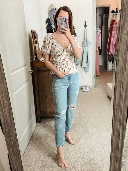 Mom jeans // straight leg jeans // Levi's jeans // fall outfits // fall style // travel style // heels // nude heels // floral top // Astr the label top // Nordstrom finds // fall fashion // under $100   #LTKSeasonal #LTKunder100 #LTKtravel