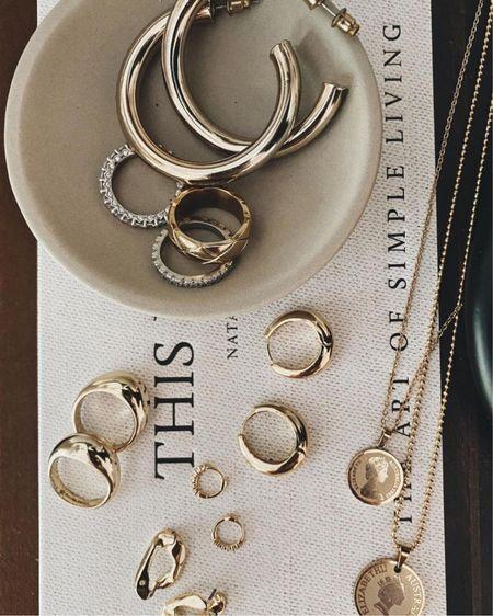 minimal gold jewelry 🖤 http://liketk.it/33EIK #liketkit @liketoknow.it #LTKunder100 #LTKunder50 #goldjewelry
