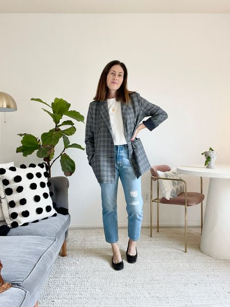 Blazer is old - linked similar ideas here. Shoes @italic - use code CONNI50 for 50% off a membership (size up) White tee is @advocate_the_label and jeans are 501 straight leg jeans from @levis #fallstyling #straightlegstyling   #LTKstyletip #LTKSeasonal #LTKbacktoschool