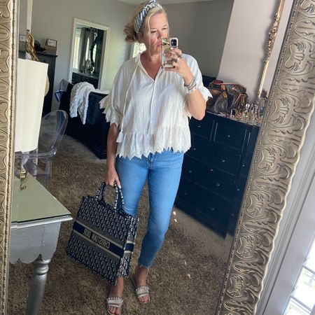 #ootd What I wore today✔️ . Easy summer style☀️ Some of my favorite pieces I am wearing on repeat✔️ . #summerwhites #summersandals #summervaction # summerbag #summermusthaves  . .  Shop my daily looks by following me on the LIKEtoKNOW.it shopping app Download the LIKEtoKNOW.it shopping app to shop this pic via screenshot http://liketk.it/3gG02 #liketkit @liketoknow.it #LTKstyletip #LTKitbag #LTKtravel