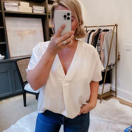 Affordable v-neck blouse. Size: medium.   #LTKunder100 #LTKworkwear #LTKunder50